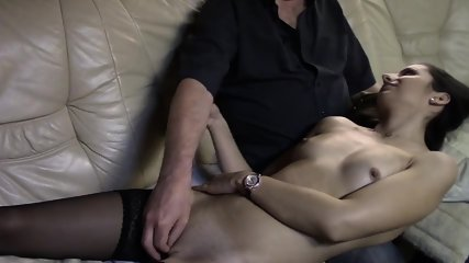 Babe Is Fingerfucked To Climax