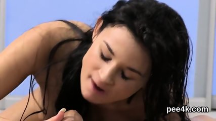 Perfect peach gets her slim snatch complete of warm pee and squirts