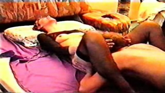 German couple sends us their first homesex video