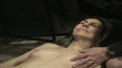 Hot wife getting a cum facial in her mouth - scene 5