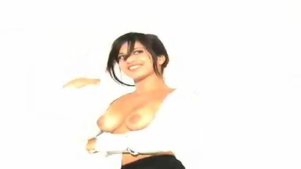 Sexy Sunny posing - scene 7