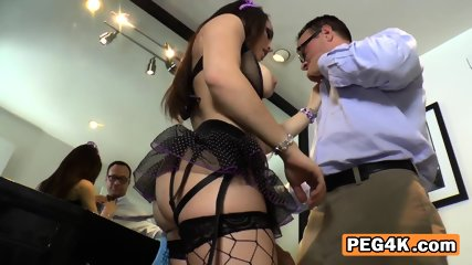 Nerdy guy fingers Gabriella before she drills his asshole