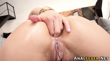 Slut analized in threeway