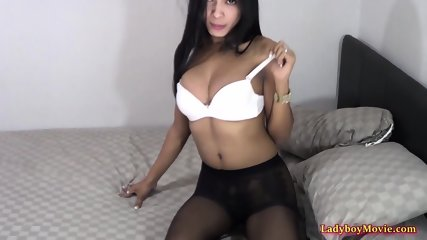 Guy Fives BJ And Frottage Pleasure To Ladyboy Shy
