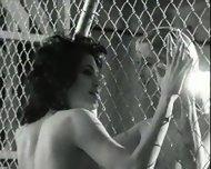 Angelina Jolie nude - scene 9