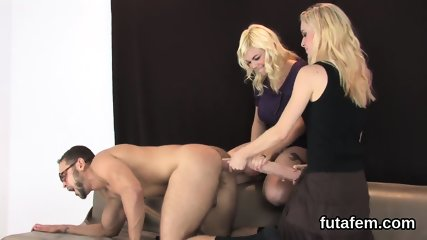 Cuties nail bfs anal with massive strap-ons and squirt charge
