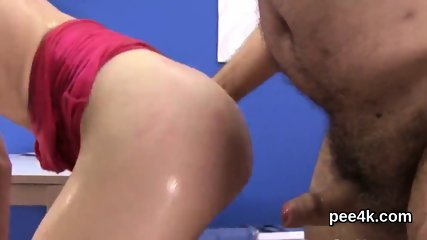 Gorgeous doll gets her tight slit complete of warm piss and splatters