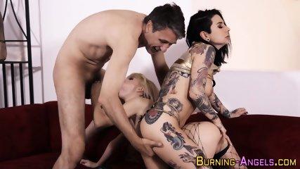 Tattooed slut gets railed