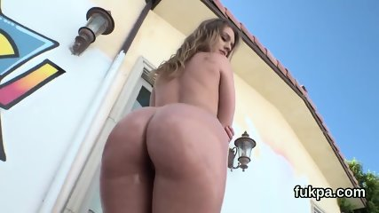 Glamorous looker flaunts monster ass and gets anal hole poked