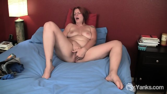 Chubby Girl Rubs Pussy