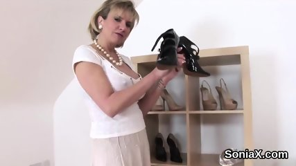 Unfaithful british milf lady sonia exposes her huge knockers