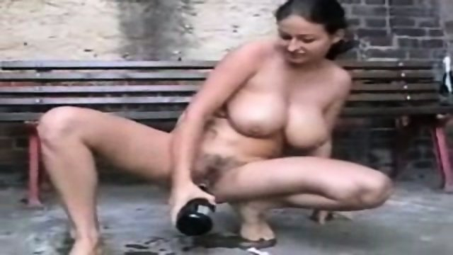 Busty Chick loves to fuck a Bottle