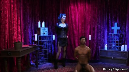 Mistress makes black slave eat her pussy