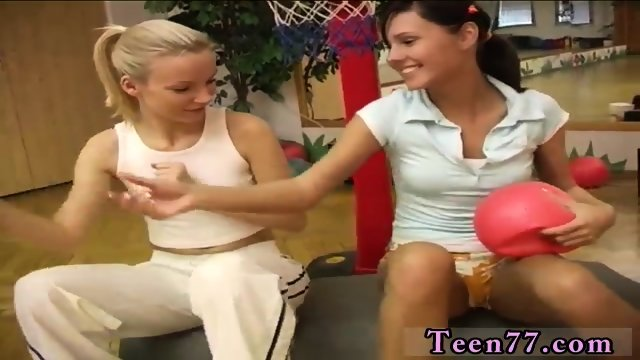 Lesbians humping booty Cindy and Amber smashing each other in the gym