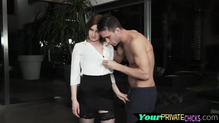 Glam model beauty fucked up the ass