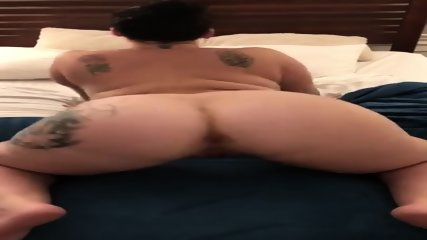 Cuckhold twerk for daddy s friends
