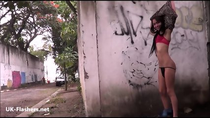 Backalley flashing teen Elisas shapely latina exhibitionism and public masturbation of brunette amateur babe of South American descent