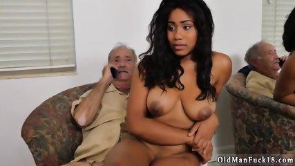 Big black ass amateur fuck and ebony hood stripper in club fucking Glenn ends the job!