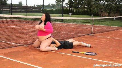 Fat female facesits on her behalf instructor in the tennis games judge