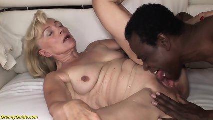Mor strimler til søn porno