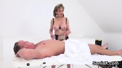 Adulterous british mature lady sonia shows her monster boobs