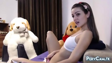 Cute Camgirl Products Her Vagina With Ohmibod Vibrator