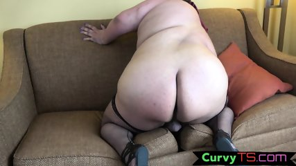 Fat trans chick plays with her nipples