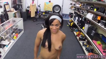Frosty facials Muscular Chick Spreads Eagle For Cash!