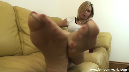 Smelly feet sniff