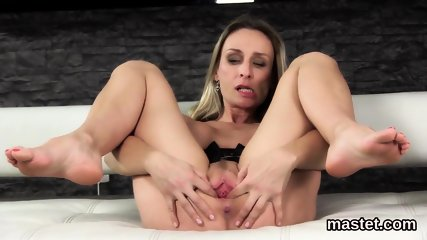 Wicked czech cutie stretches her tight snatch to the bizarre