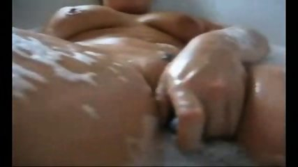 Germans have Sex in the Bathtub - scene 1