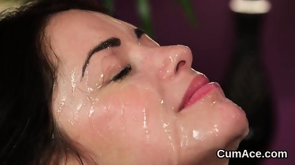 Kinky bombshell gets cumshot on her face gulping all the cream