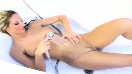 Vanessa Cooper in the Bathtub - scene 5