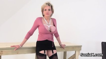 Unfaithful uk mature lady sonia showcases her monster boobs