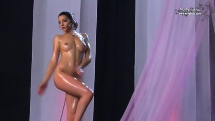 Erotic Show - Nancy