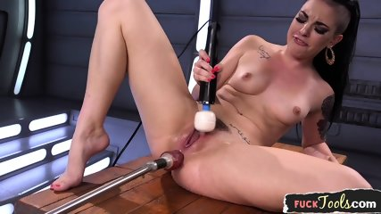 Solo Babe Cums While Assfucked By Dildo