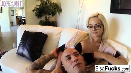 Baby Elsa Jean Fucks with bald and shoots home porn Her acc bit.do/eTXen