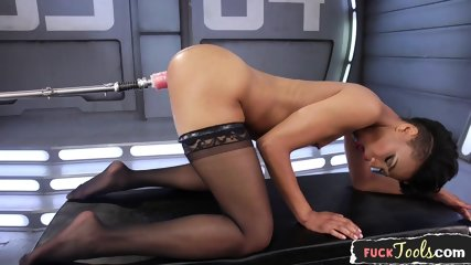 Gorgeous Ebony Orgasms During Machine Sex