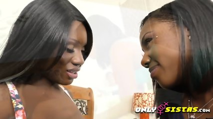Hot chocolate black lesbians perform on camera erotic scenes