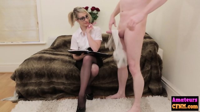 Spex babe drops to her knees to suck dick