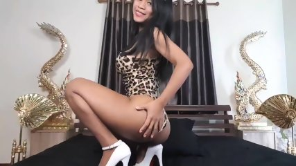 Fun New teases you, luscious thai with nice breasts & hot body
