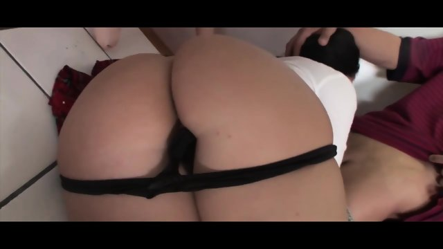 BUBBLE BUTT  BOUNCING ON A BIG COCK