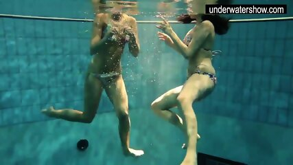 Andrea and Monica hot teens in the pool