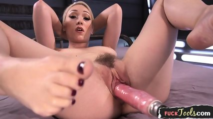 Masturbating Beauty Machine Drilled By Dildo