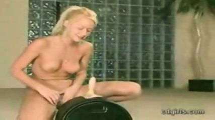 Screams on the Sybian - scene 11