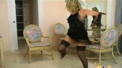 Blond stripping - scene 1