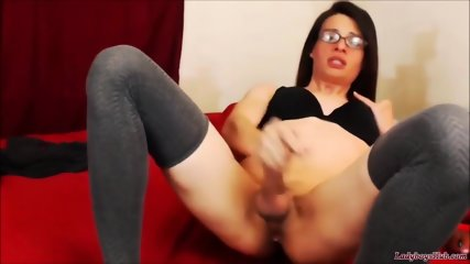 Teen tranny with glasses gets self ficialized