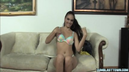 Handjob babe cumdrenched by amateur