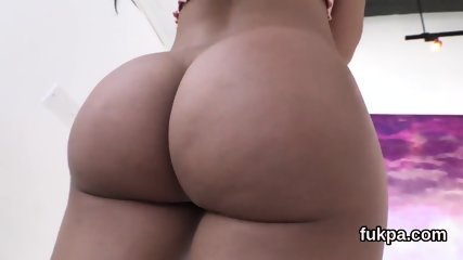 Breathtaking babe showcases oversized booty and gets anal drilled