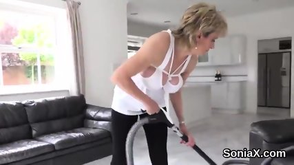 Unfaithful uk milf lady sonia exposes her big globes